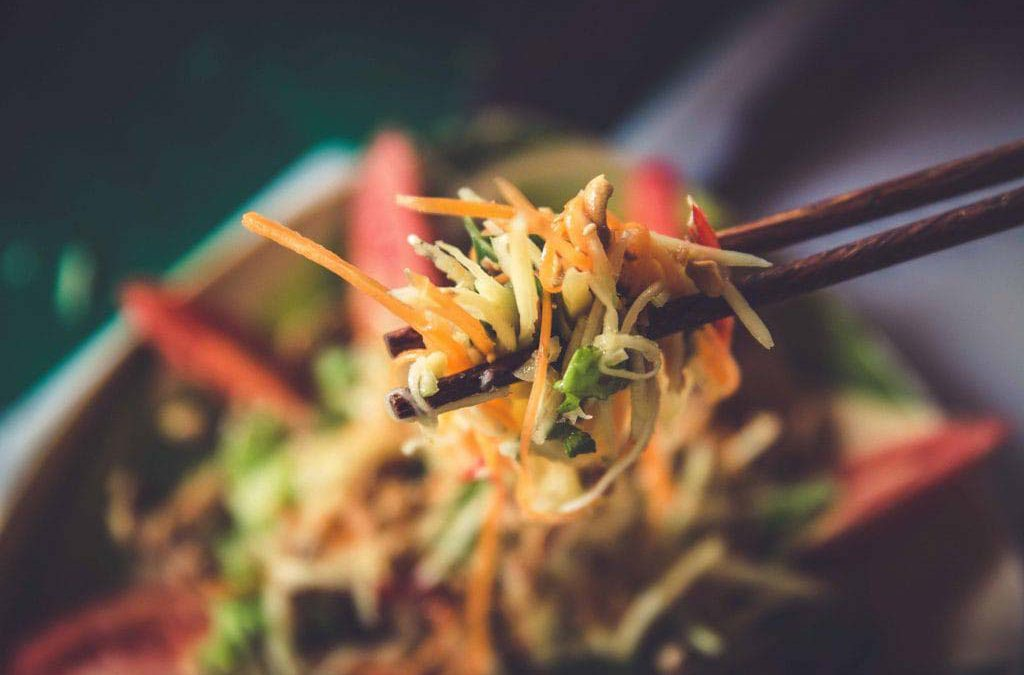 Vietnamesischer Mangosalat