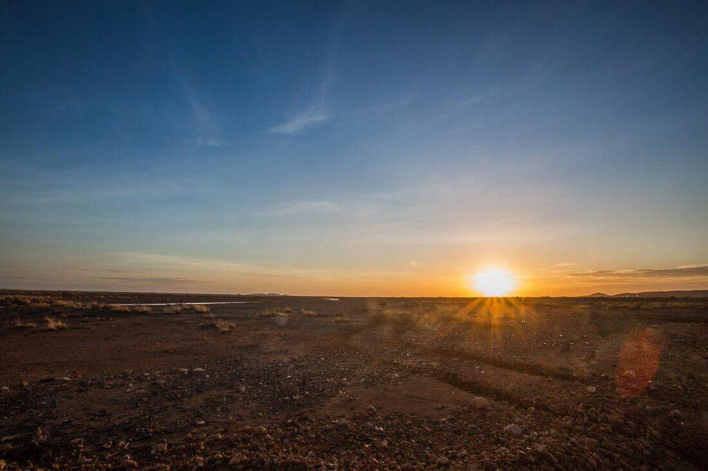 Sonnenaufgang in Roebourne in Western Australia